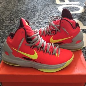 7.5 KD V Bright Crimson/Volt-Wolf Grey